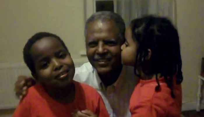 Andargachew Tsege with his children.