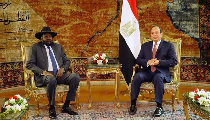 President of South Sudan, Salva Kiir Mayardit (L) and Egyptian President Abdel Fattah el-Sisi
